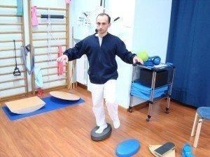 Esercizi, propriocettiva, piede, rinforzo, equilibrio, aria, muscoli, movimento, dolore, male, controllo, posturale, morbido, fisioterapia e riabilitazione, fisiokinesiterapia, distorsione, recupero, ritorno, gare, partita, sportivi, palestra, calciatori