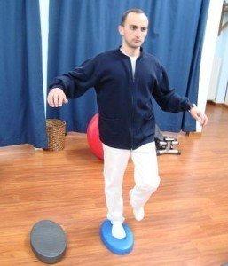 Esercizi, propriocettiva, piede, equilibrio, morbido, muscoli, movimento, dolore, male, controllo, posturale, morbido, fisioterapia e riabilitazione, distorsione, appoggio, fisiokinesiterapia, distorsione, recupero, ritorno, gare, partita, sportivi, palestra