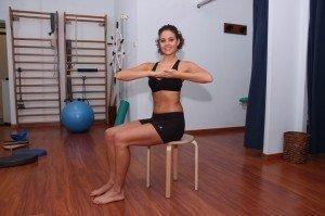 Esercizio per lombalgia, dorsalgia, rotazione, lombare, dorsale, dorso, schiena, bacino, stretching, dolore, lombalgia, cervicalgia, rachialgia, rachide, fisioterapia e riabilitazione