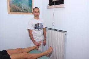 Test metatarsalgia, stringere piede, prova, valutazione, diagnosi