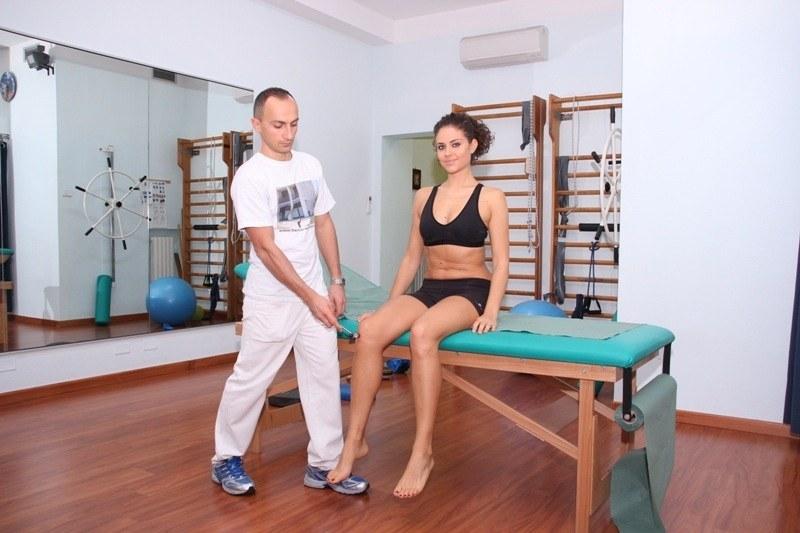 test-riflesso-rotuleo-nervo-sciatico-ginocchio-schiena-lombare-infiammazione-dolore