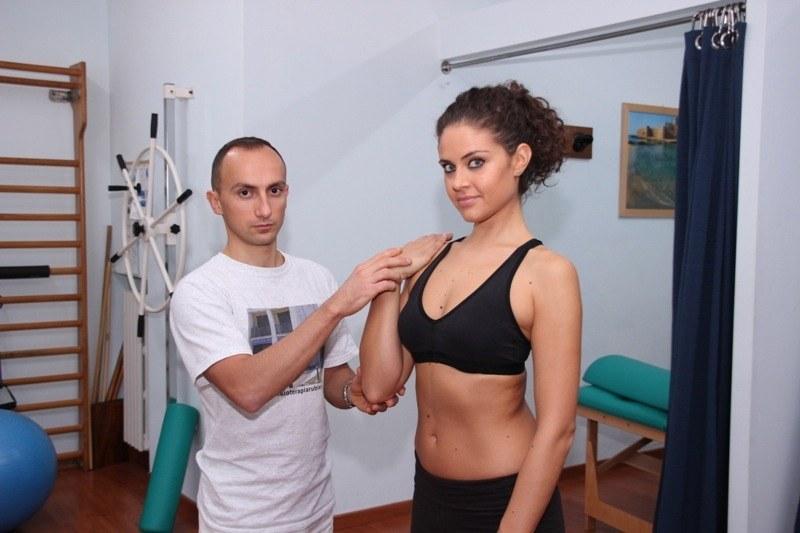 braccio,posizione,verticale,frattura,intervento,chirurgia,viit,chiodi