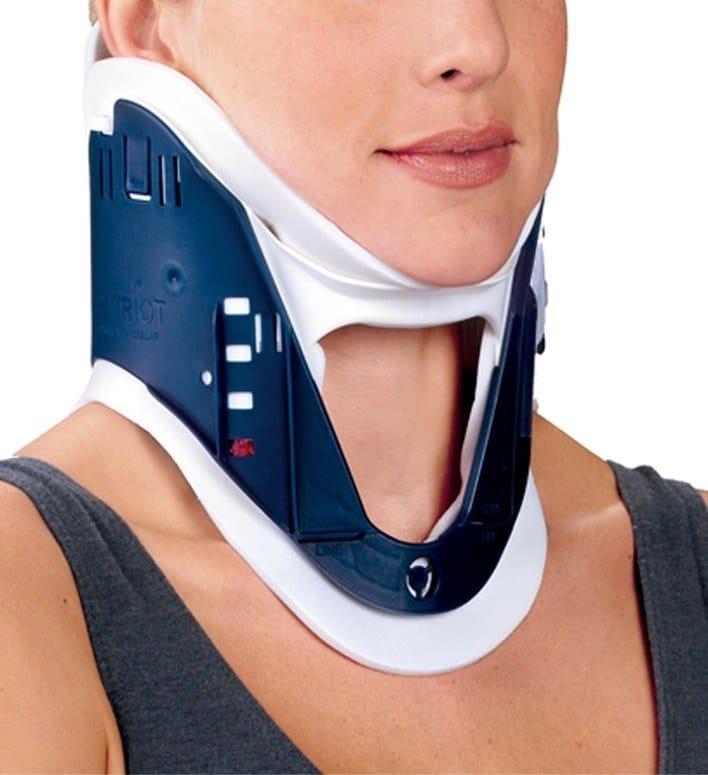 collare,cervicale,collo,rigido,dolore,postura,frattura,colpo,frusta,incidente,dolore