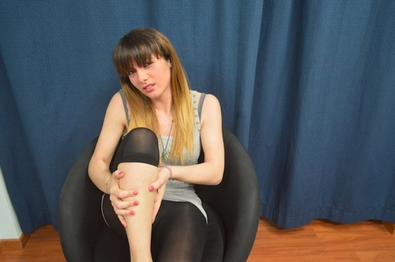 Il fungo iniziato su un pollice di una gamba che trattare
