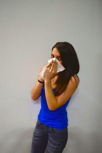 Ragazza,raffreddore,soffiare,naso