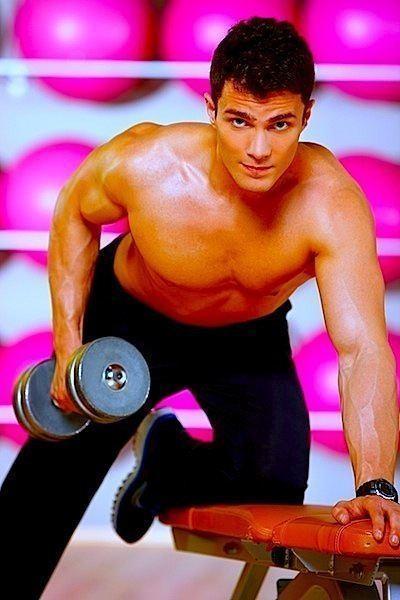stiramento muscolo,schiena,spalla