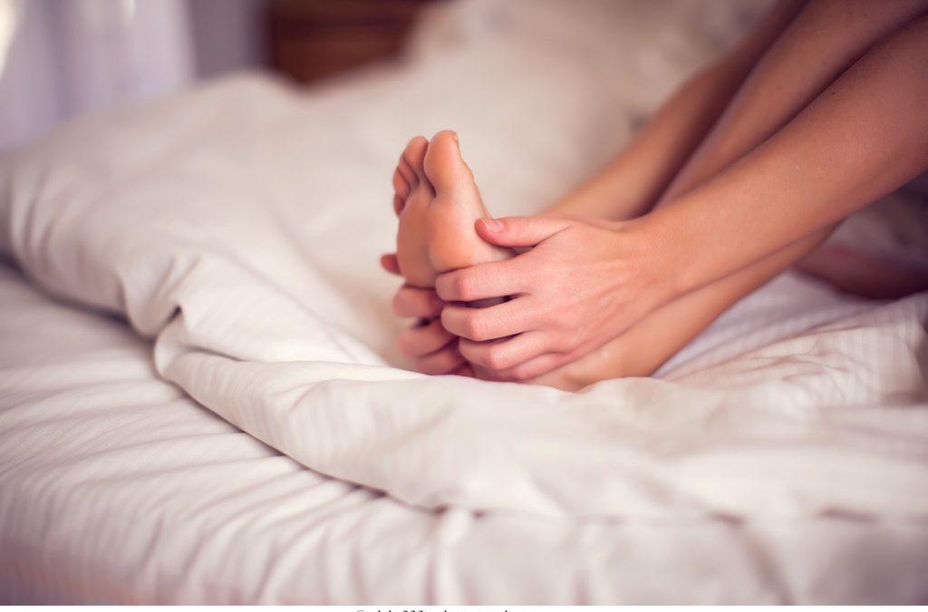 Come riconoscere il piede piatto? Qual è la cura più efficace?