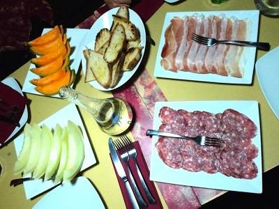 Abbuffata,cibo,alimenti,bulimia
