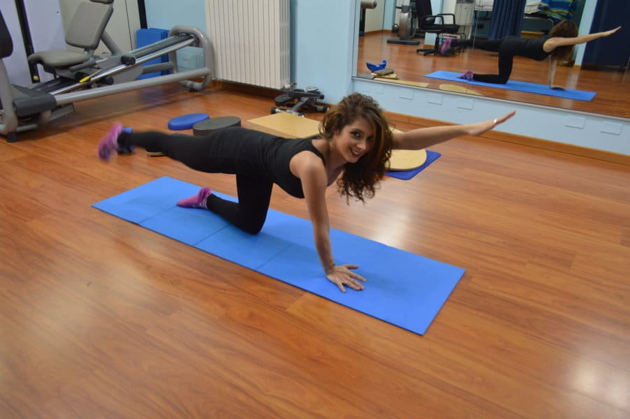 esercizio,braccio,gamba,alternato