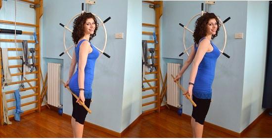 esercizio,estensione,spalla,bastone, in piedi