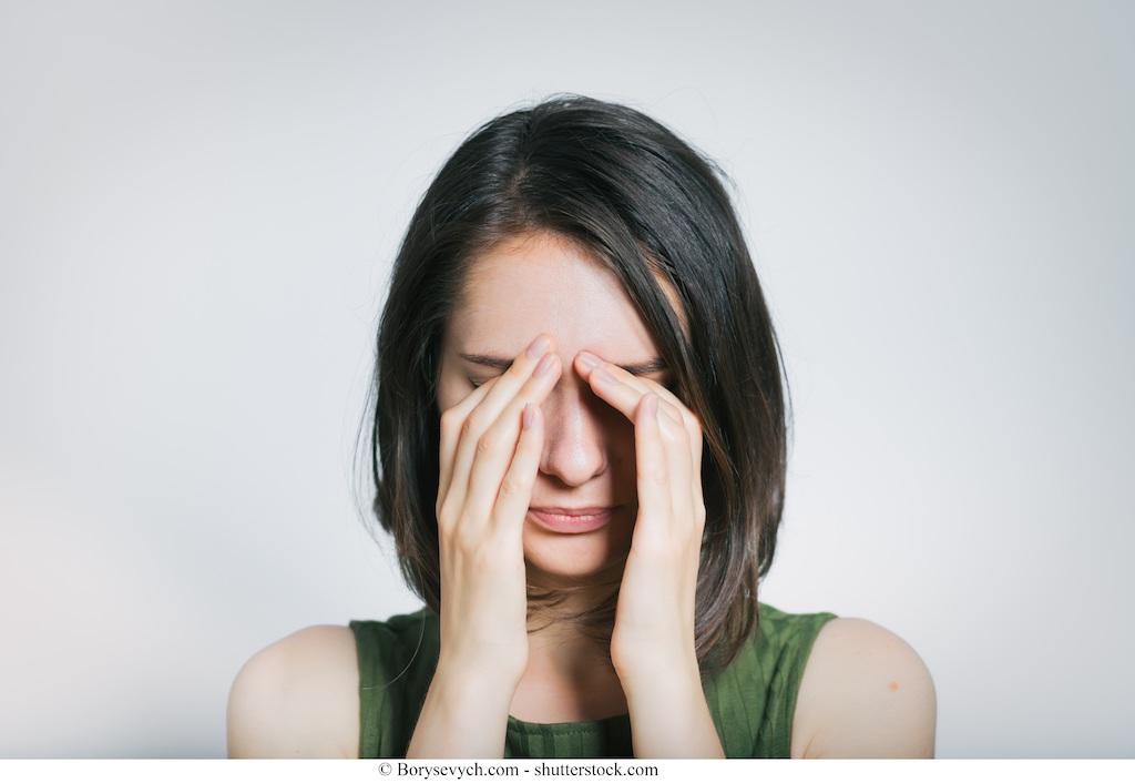 Mal di testa da cervicale o dietro agli occhi collo muscoli for Dolore agli occhi