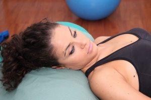 Cefalea, muscolo, tensiva, dolore, viso, cranio, infiammazione, alimentazione, lettino, sdraiato, rilassamento, relax, respiro, decontratturante, piacevole