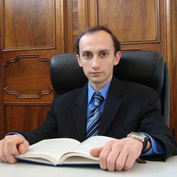Dr. Massimo Defilippo