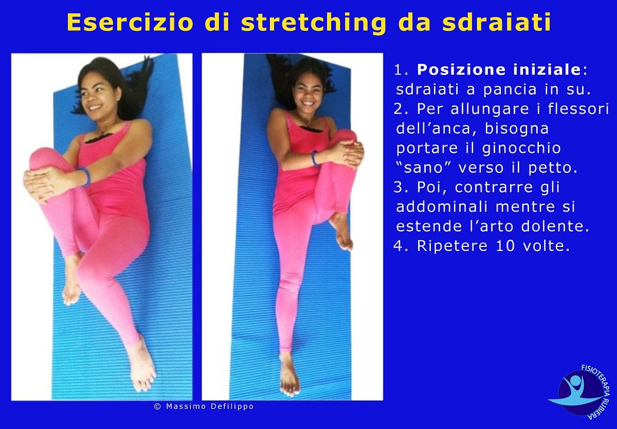 Esercizio-di-stretching-da-sdraiati