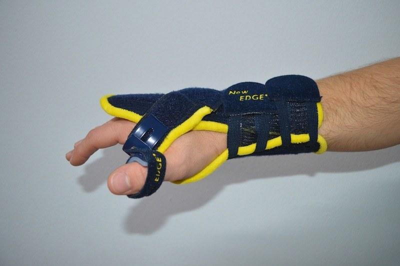 tutore,pollice,polso,mano,dolore,tendinite,lesione,frattura