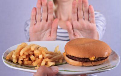 7 Tipi di Alimenti che Causano l'Infiammazione